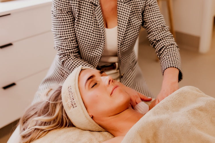 Caring for your skin in a coastal environment 1